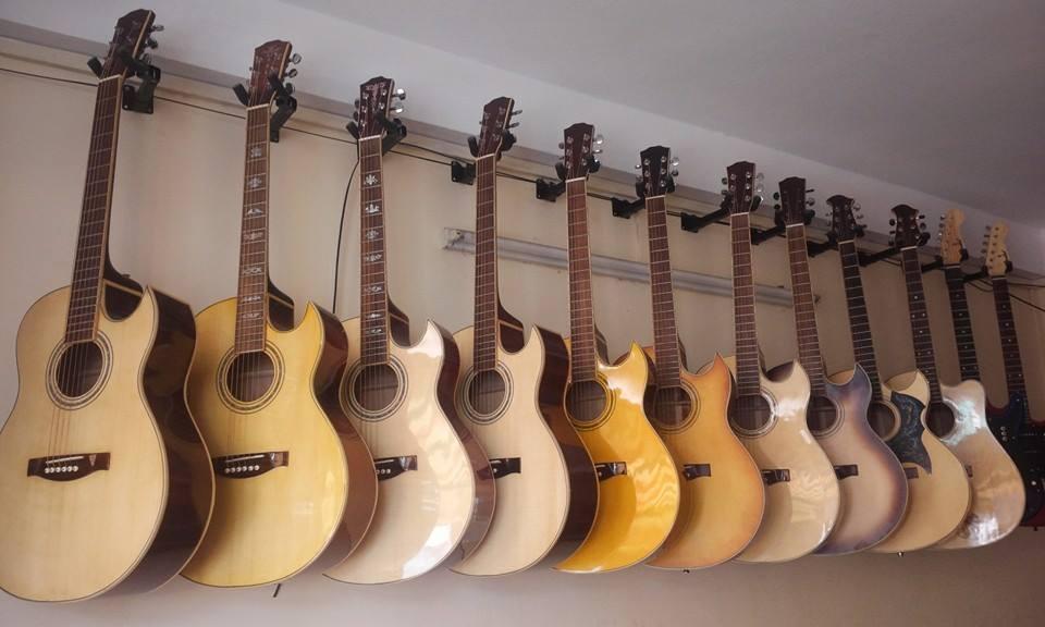 Bán đàn guitar thùng Acoustic