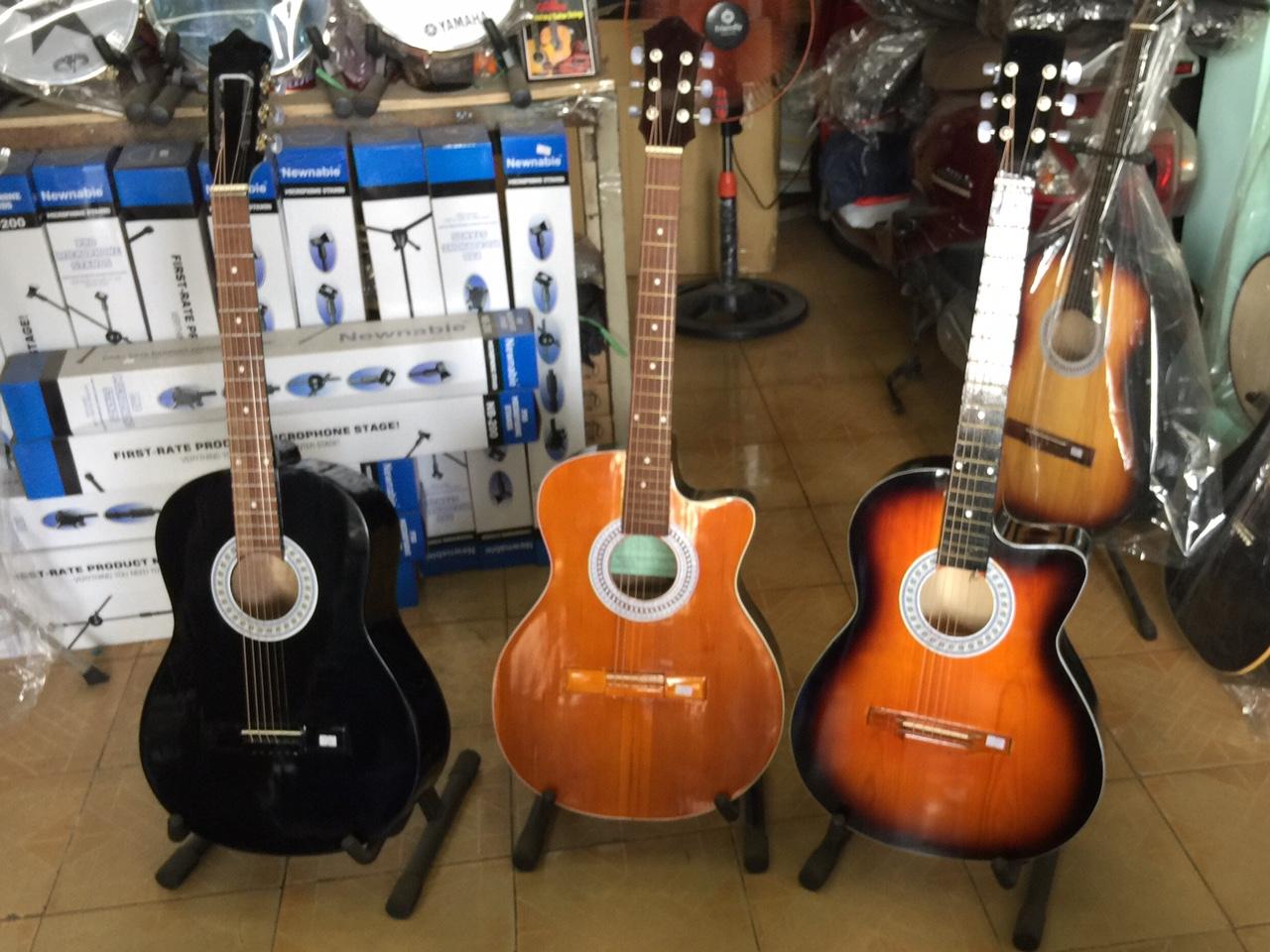 Bán đàn guitar giá rẻ tại Củ Chi